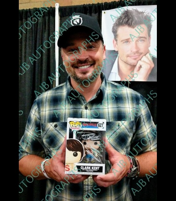 Smallville #627 Clark Kent, Shirtless Signed By Tom Welling
